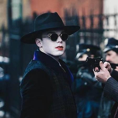 Gotham S04 set (4).jpg