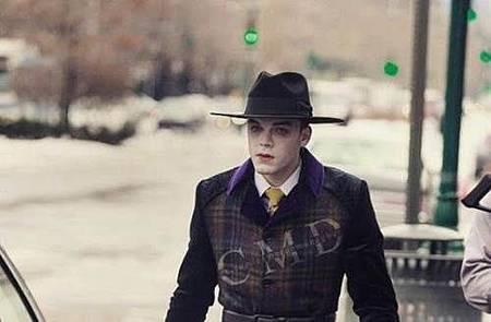 Gotham S04 set (5).jpg