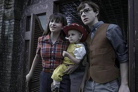 Series of Unfortunate Events S02 (5).jpg