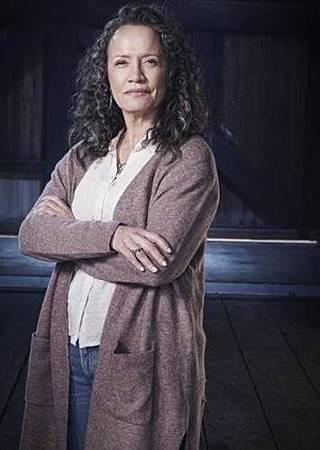 Helen(Rena Owen).jpg
