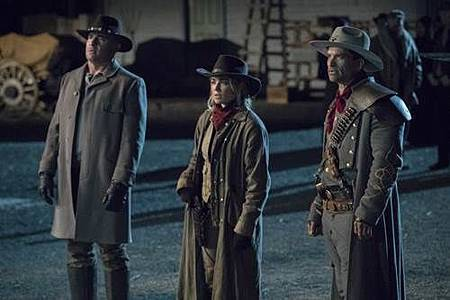 Legends of Tomorrow 3x18 (2).jpg