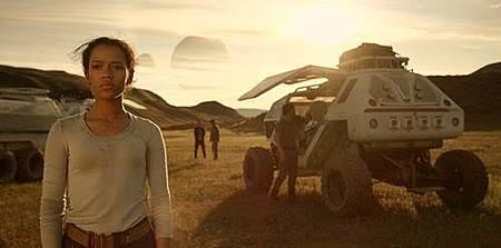 Lost in Space S01 (7).jpg