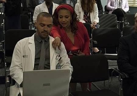 Grey's Anatomy 14x20 (25).jpg