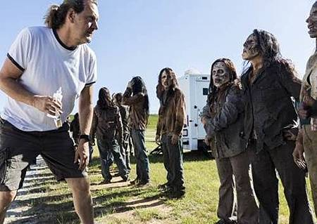 The Walking Dead S08 Set (5).jpg