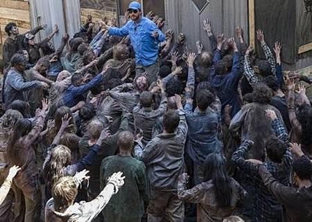 The Walking Dead S08 Set (7).jpg