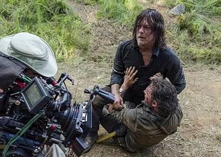 The Walking Dead S08 Set (17).jpg