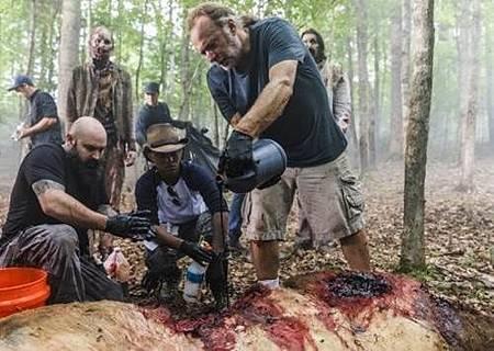 The Walking Dead S08 Set (20).jpg