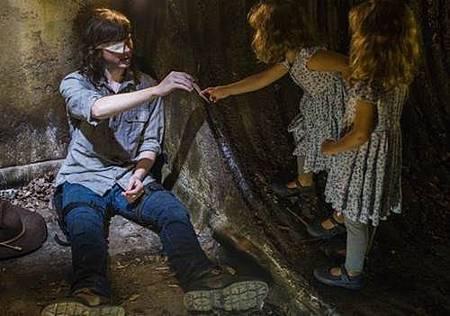 The Walking Dead S08 Set (24).jpg