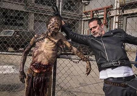 The Walking Dead S08 Set (29).jpg
