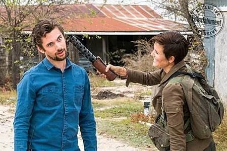 Fear The Walking Dead s04 set (4).jpg
