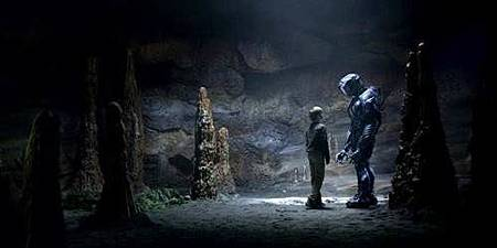 Lost in Space S01 (21).jpg