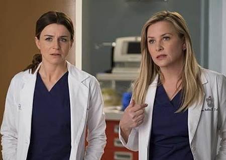 Grey's Anatomy 14x23 (1).jpg