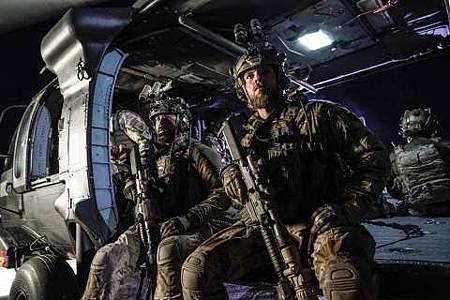 SEAL Team 1x22-01.JPG
