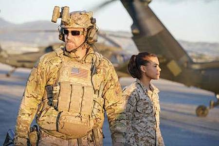 SEAL Team 1x22-08.JPG
