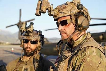 SEAL Team 1x22-11.JPG