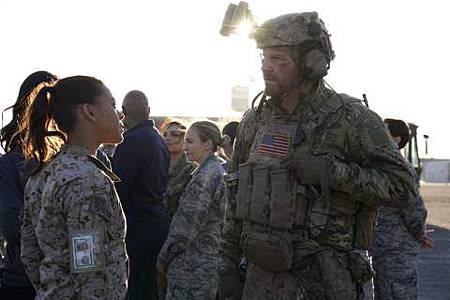 SEAL Team 1x22-15.JPG