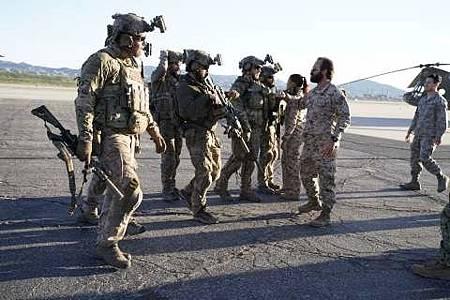 SEAL Team 1x22-16.JPG