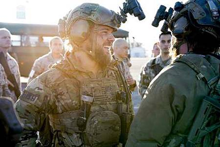 SEAL Team 1x22-18.JPG