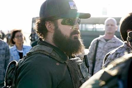 SEAL Team 1x22-19.JPG