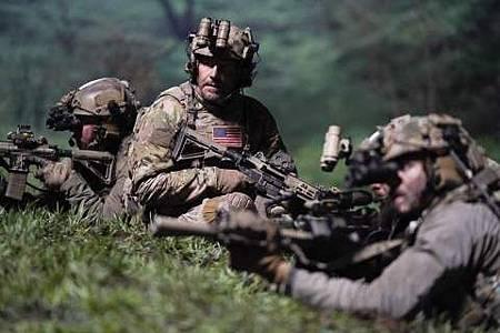 SEAL Team 1x22-26.JPG