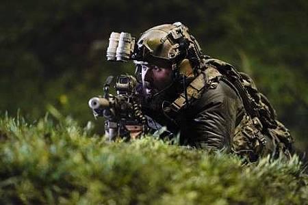 SEAL Team 1x22-27.JPG
