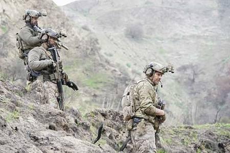 SEAL Team 1x22-30.JPG