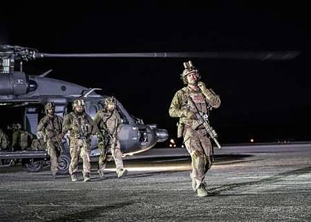 SEAL Team 1x22-32.jpg