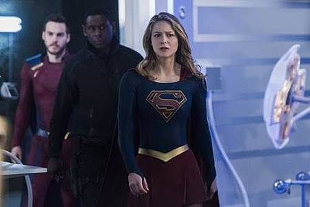 Supergirl3x19 (3).jpg