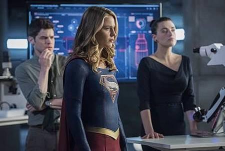 Supergirl3x19 (12).jpg