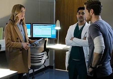 The Resident 1x14 (7).jpg