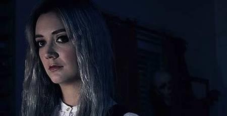 Billie Lourd.jpg