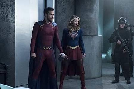 Supergirl3x21 (9).jpg