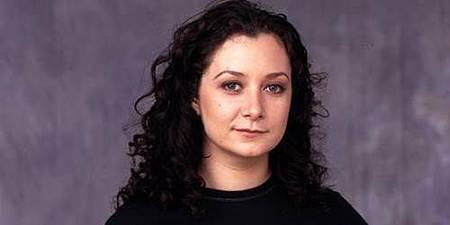 Roseanne-Darlene-Conner-Healy-Sara-Gilbert.jpg