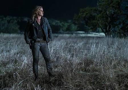 Fear The Walking Dead4x8 (4).jpg
