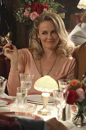 American Woman S01 (9).jpg