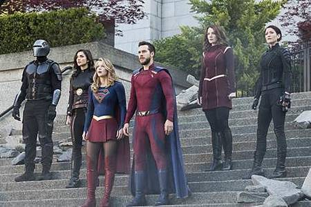 Supergirl3x23 (2).jpg