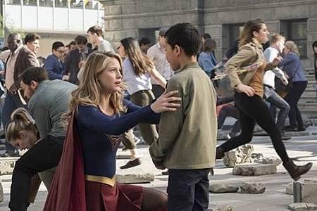Supergirl3x23 (8).jpg