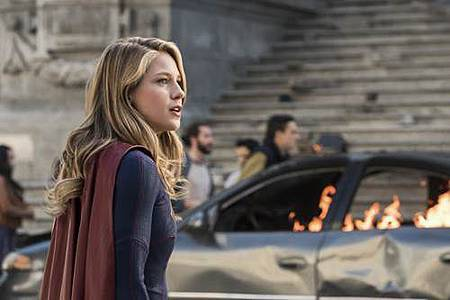 Supergirl3x23 (9).jpg