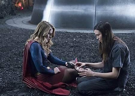 Supergirl3x23 (12).jpg