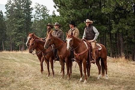 Yellowstone S01 (5).jpg