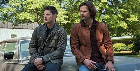 Jensen-Ackles-and-Jared-Padalecki-in-Supernatural-Season-13.jpg