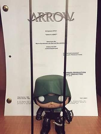 Arrow 7x1.jpg