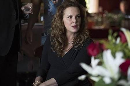 Jackie(Elizabeth Perkins).jpg