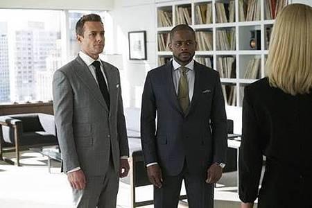 Suit S08 (9).jpg