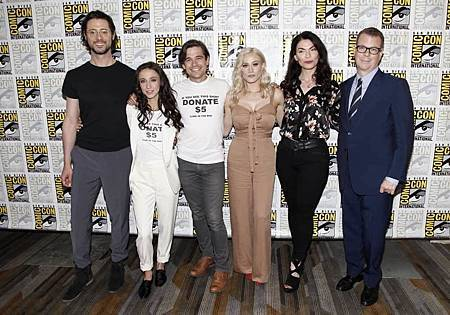 The Magicians 2018 SDCC (1).jpg