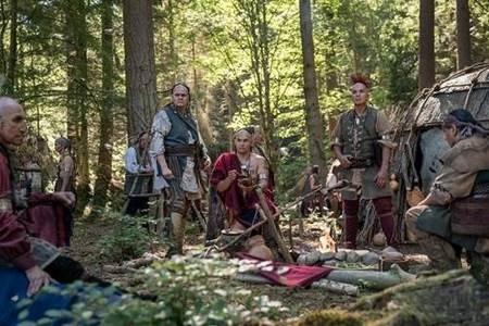 Outlander S04Set.jpg
