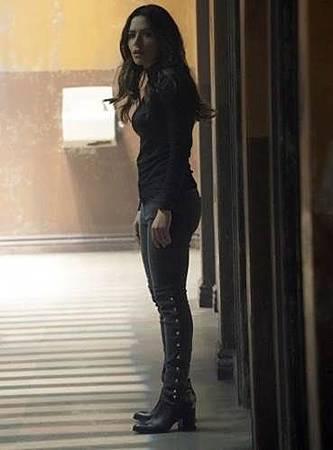 Reverie 1x10 (3).jpg