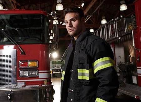 911 S02  cast (1).jpg