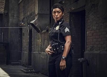 911 S02  cast (3).jpg