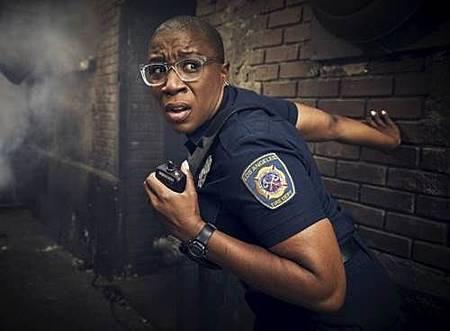 911 S02  cast (5).jpg